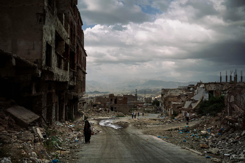 """تمّت تسوية مباني حي """"الجهملية """" بالأرض أثناء المواجهات الأخيرة بين المتمردين الحوثيين والقوات الموالية للرئيس اليمني عبد ربه منصور هادي."""